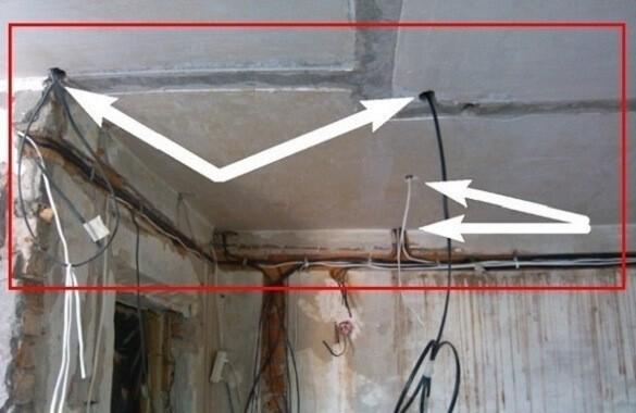 Закрытая прокладка проводов по железобетонному потолку
