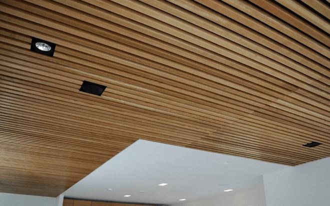 реечные подвесные потолки