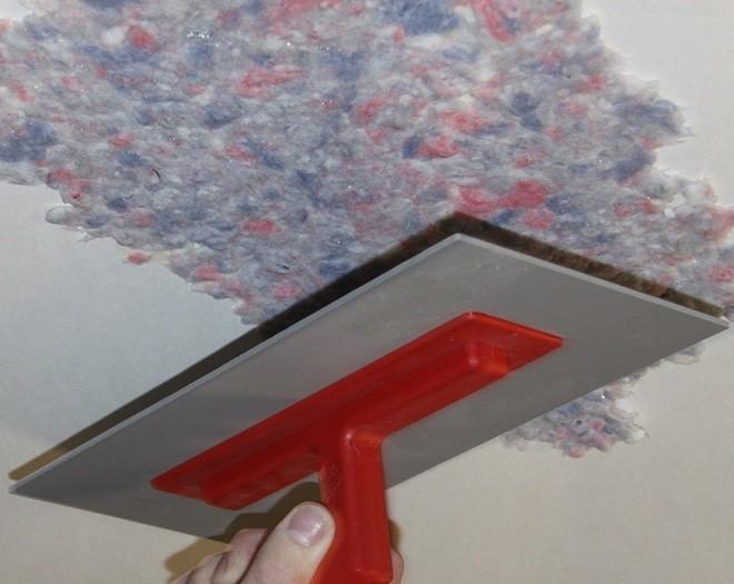 Порядок нанесения жидких обоев на потолки