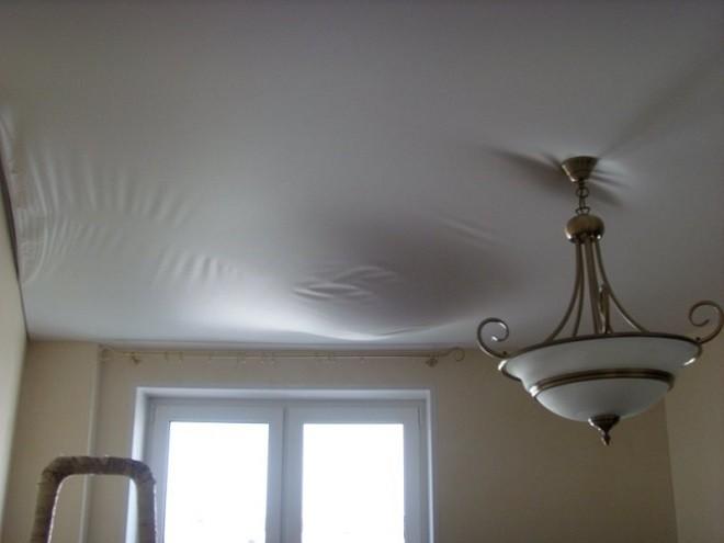 как заклеить натяжной потолок пленки ПВХ