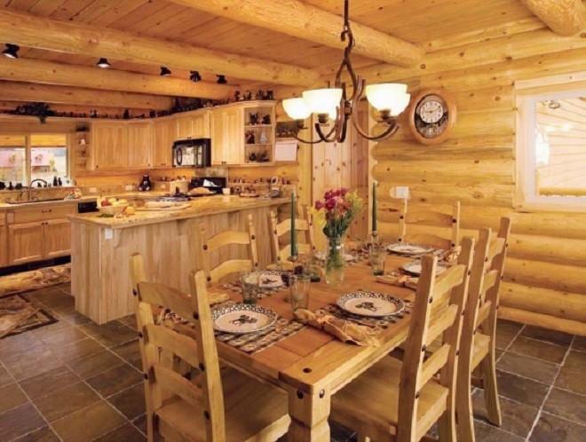 Деревянный потолок и освещение