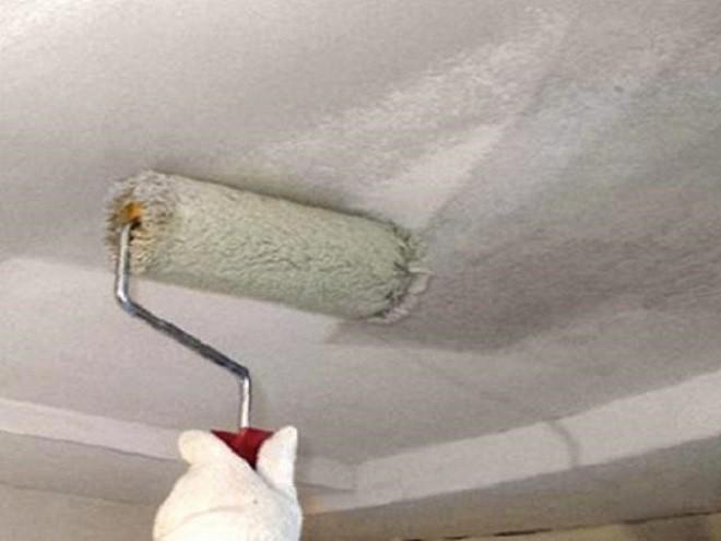 Для чего грунтовать потолки
