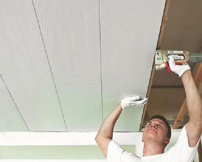 пластиковый потолок на кухне - крепление декоративных панелей