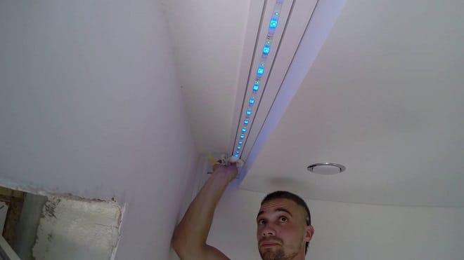 Установка светодиодной ленты в нишу под шторы