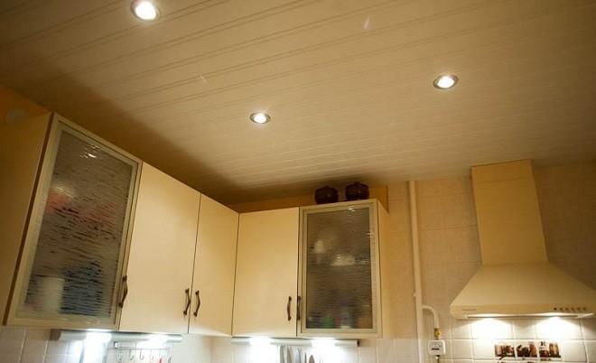 пластиковый потолок на кухне - термопленка