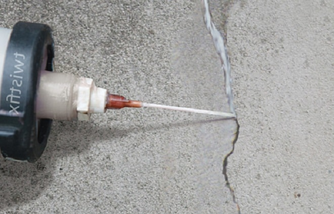 Как заделать волосяные трещины на бетоне