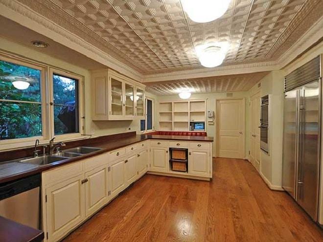 Красивые двухуровневые потолки на кухне - идеи, фото