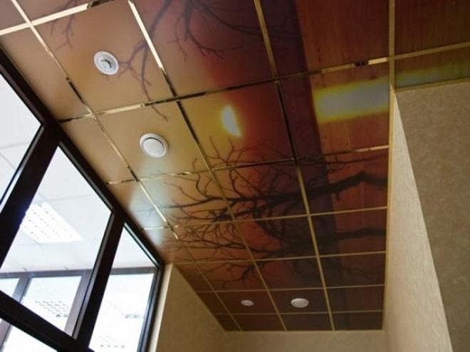 Подвесные потолки на балконе