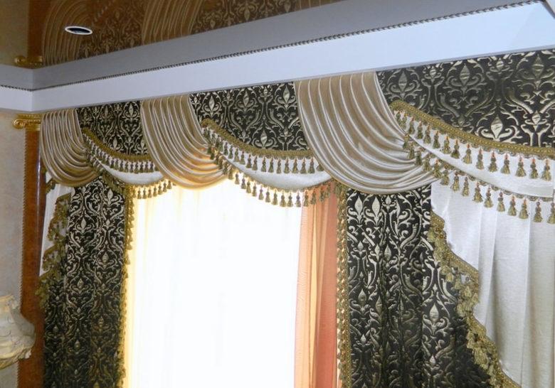 Красивые шторы с бубенчиками