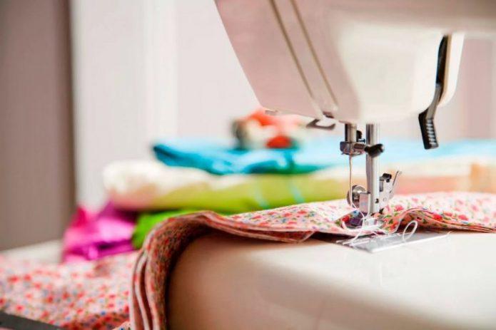 Сшивание ткани на машинке