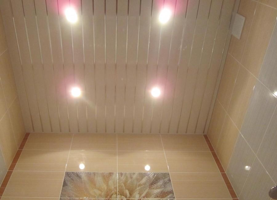 Как сделать потолок из панелей ПВХ своими руками – особенности монтажа. Как сделать пластиковый потолок своими руками – пошаговое руководство